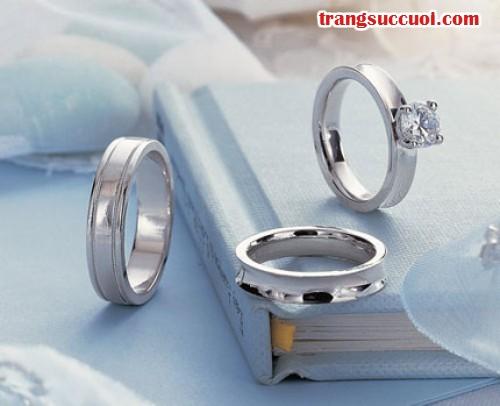 Đo kích thước nhẫn cưới cẩn thận